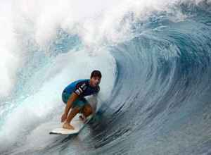 2048x1536-fit_surfeur-bresilien-ricardo-dos-santos-2012